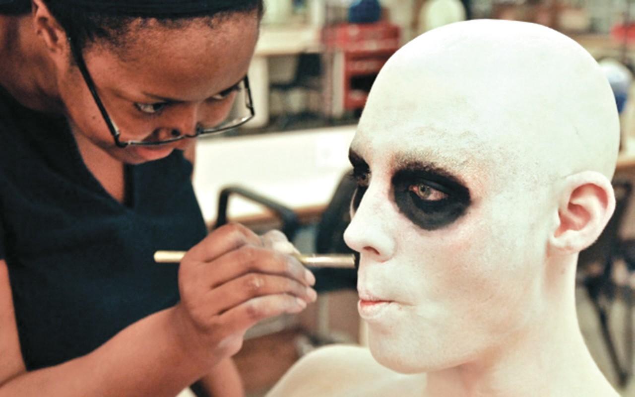 Make Up And Wig Design University Of
